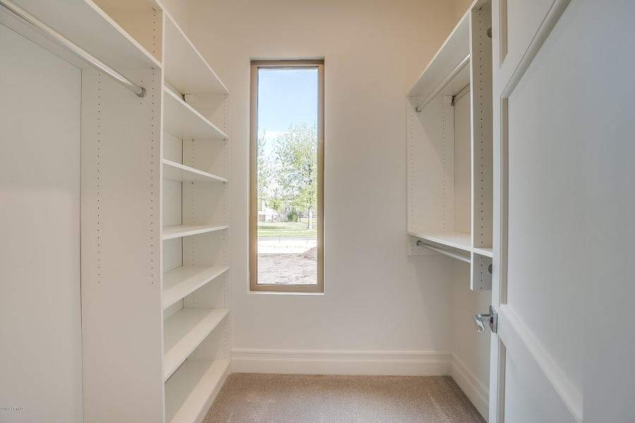 BR-3-closet