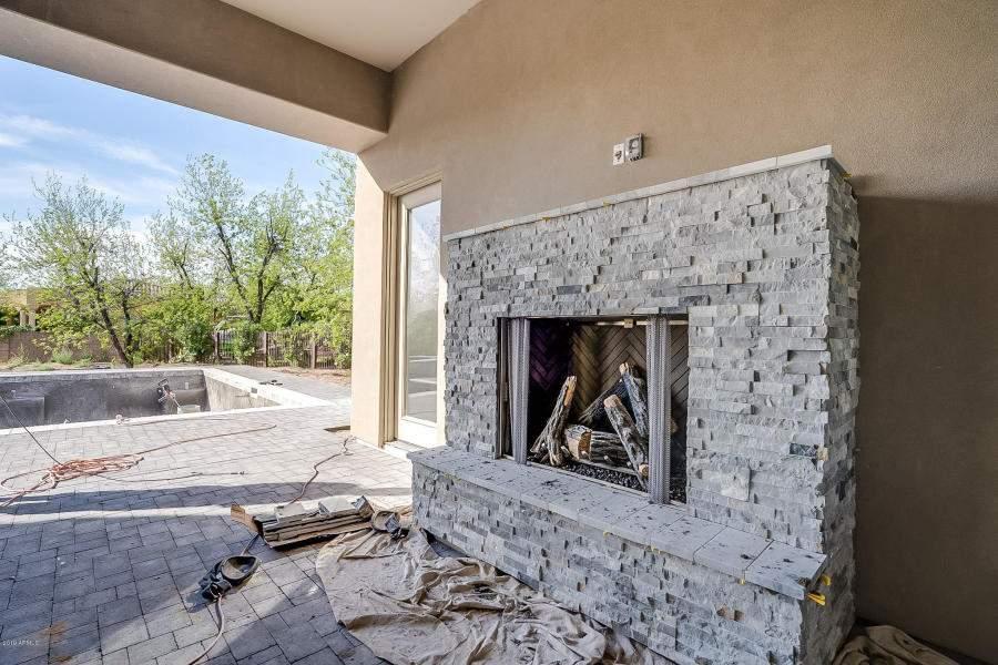 Back-fireplace