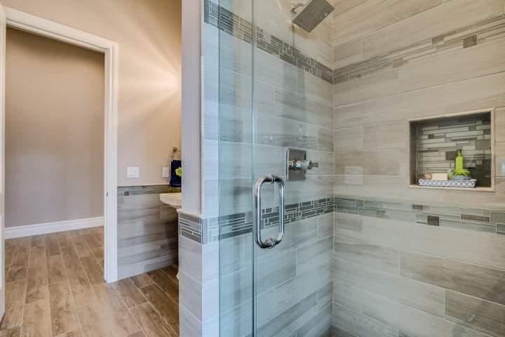 Guest bath4